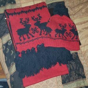Abercrombie hat & scarf
